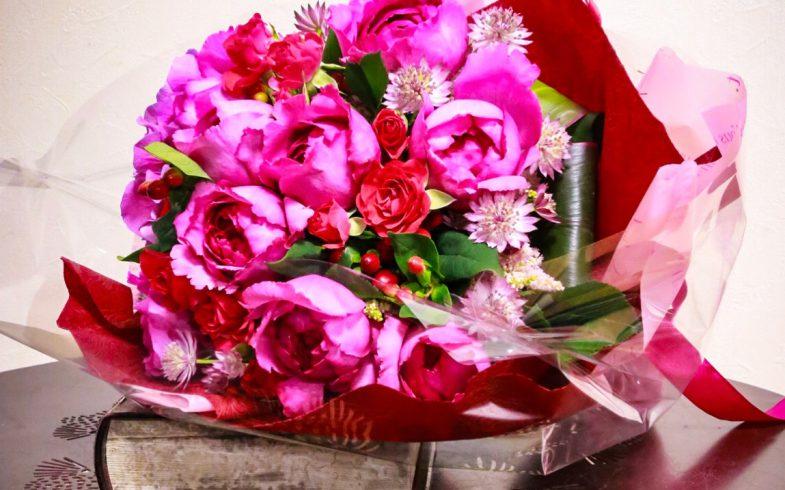 バラと紫陽花のブーケ風花束
